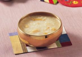"Discover Korean Food 157: Dr. Sook-Ja Yoon's ""Jeonbokjuk, Rice Porridge with Abalone"""